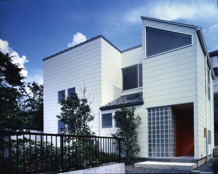 シンプルに: 加藤將己/将建築設計事務所が手掛けた家です。