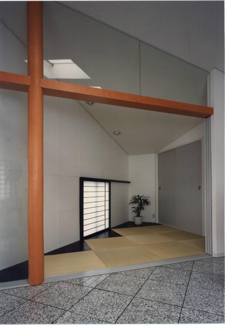 休止符の家: 加藤將己/将建築設計事務所が手掛けたインテリアランドスケープです。