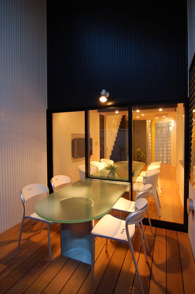 西落合の家: 加藤將己/将建築設計事務所が手掛けた庭です。