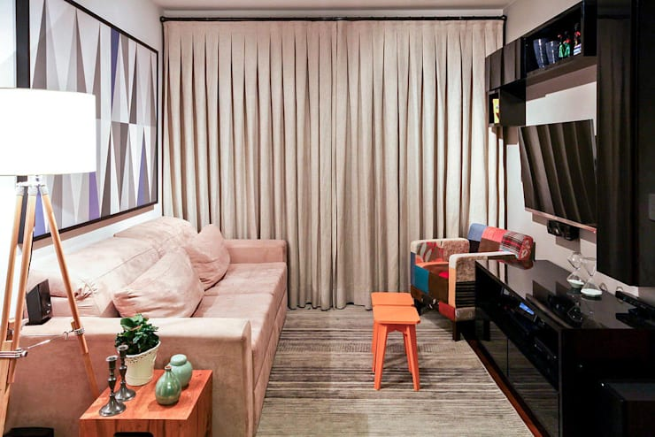 AP FT: Salas de estar  por KFOURI ZAHARENKO arquitetura e design