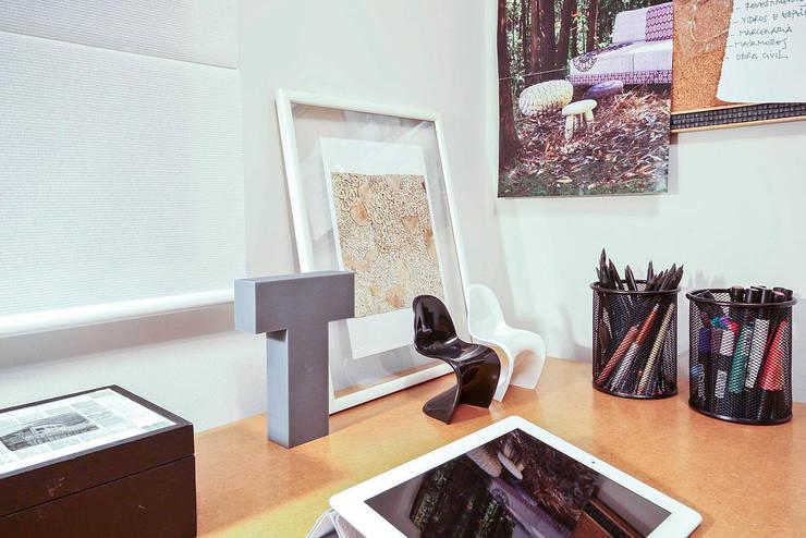 AP FT: Escritórios  por KFOURI ZAHARENKO arquitetura e design