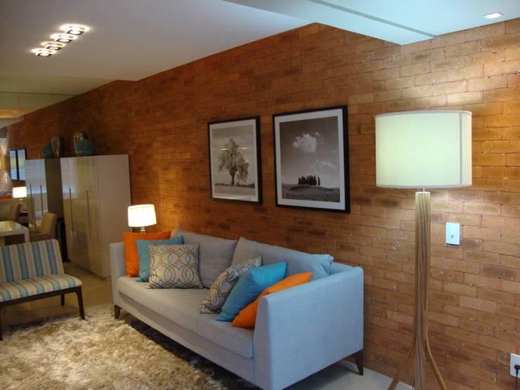 Apartamento Centro: Salas de estar  por Geraldo Brognoli Ludwich Arquitetura