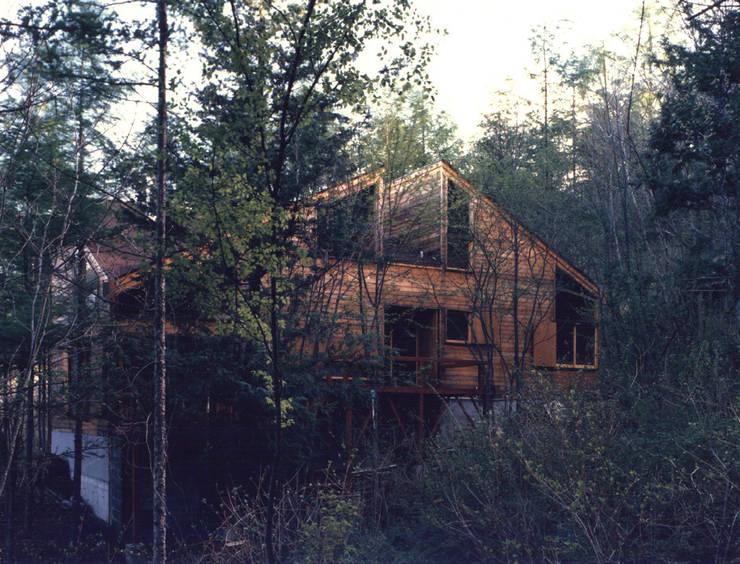 山荘あっかっか: 加藤將己/将建築設計事務所が手掛けた家です。