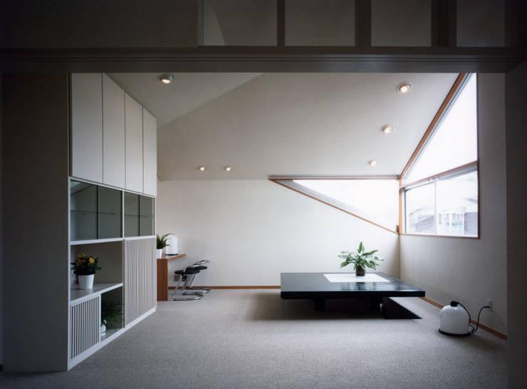 modern Living room by 加藤將己/将建築設計事務所
