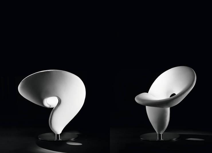 TONON - Modell QUESTIONMARK: moderne Wohnzimmer von Stefan Heiliger Design