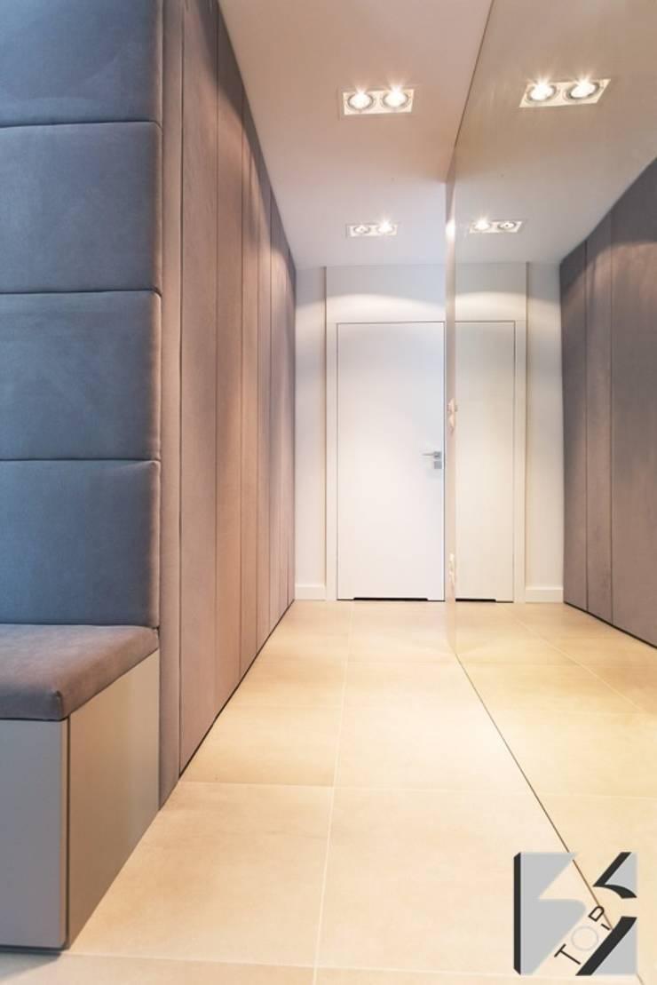 Meble na wymiar do apartamentu na warszawskiej Ochocie: styl , w kategorii Korytarz, hol i schody zaprojektowany przez 3TOP
