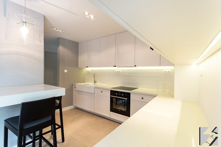 Meble na wymiar do apartamentu na warszawskiej Ochocie: styl , w kategorii Kuchnia zaprojektowany przez 3TOP