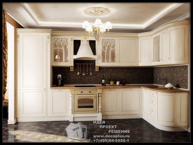 Кухня молочного цвета с коричневым фартуком: Кухни в . Автор – Бюро домашних интерьеров
