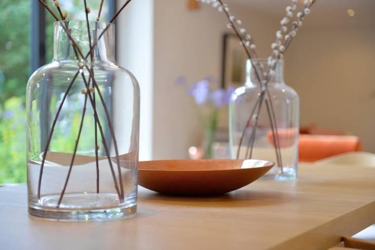 modern Living room by Natalie Davies Interior Design