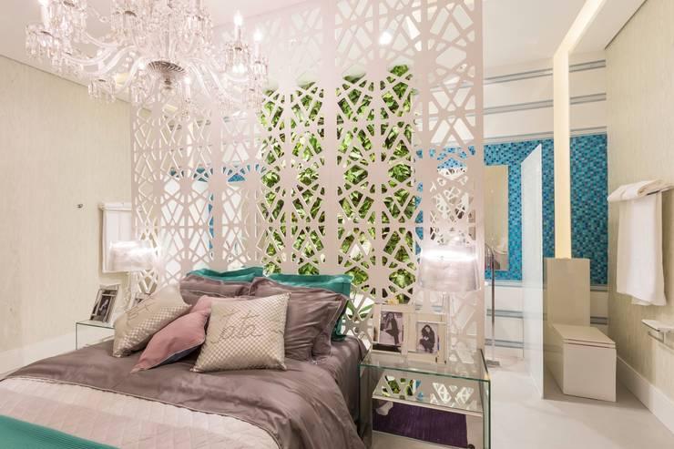 Cuartos de estilo  por Patrícia Hagobian Interiores