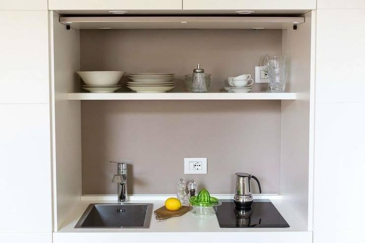 Ciompi Small House: Cucina in stile  di Patrizia Massetti