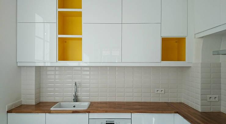 Cusiine - Appartement Neuilly: Cuisine de style  par A comme Archi