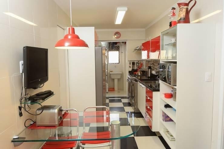 Cozinha: Cozinhas  por Item 6 Arquitetura e Paisagismo,