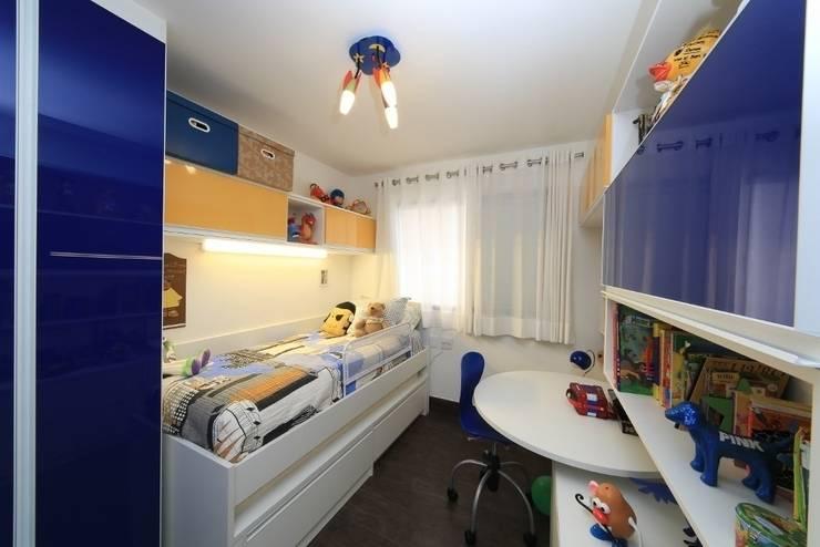 Quarto menino: Quarto infantil  por Item 6 Arquitetura e Paisagismo,