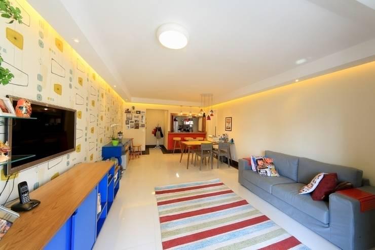 Sala de estar: Salas de estar  por Item 6 Arquitetura e Paisagismo,