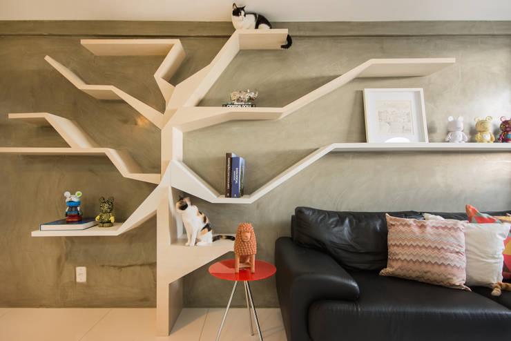 Sete Gatos em 50m²: Salas de estar modernas por Fábrica Arquitetura