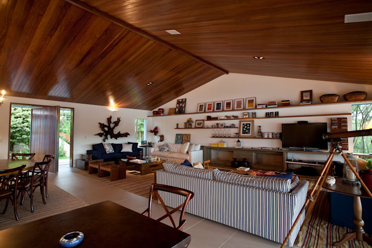 Sala de estar: Salas de estar  por M.Lisboa Arquitetura e Interiores,Clássico