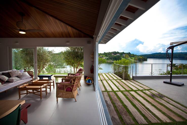 Vista da Área Gourmet: Casas  por M.Lisboa Arquitetura e Interiores,Clássico