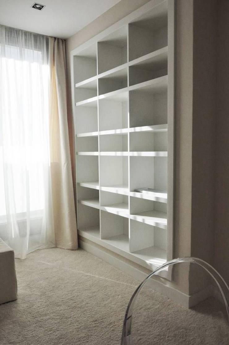 Bielany - apartament: styl , w kategorii  zaprojektowany przez Projektowanie Wnętrz Suspenzo
