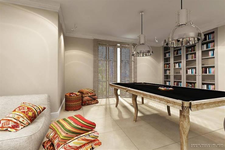 Dom - Mazury: styl , w kategorii  zaprojektowany przez Projektowanie Wnętrz Suspenzo