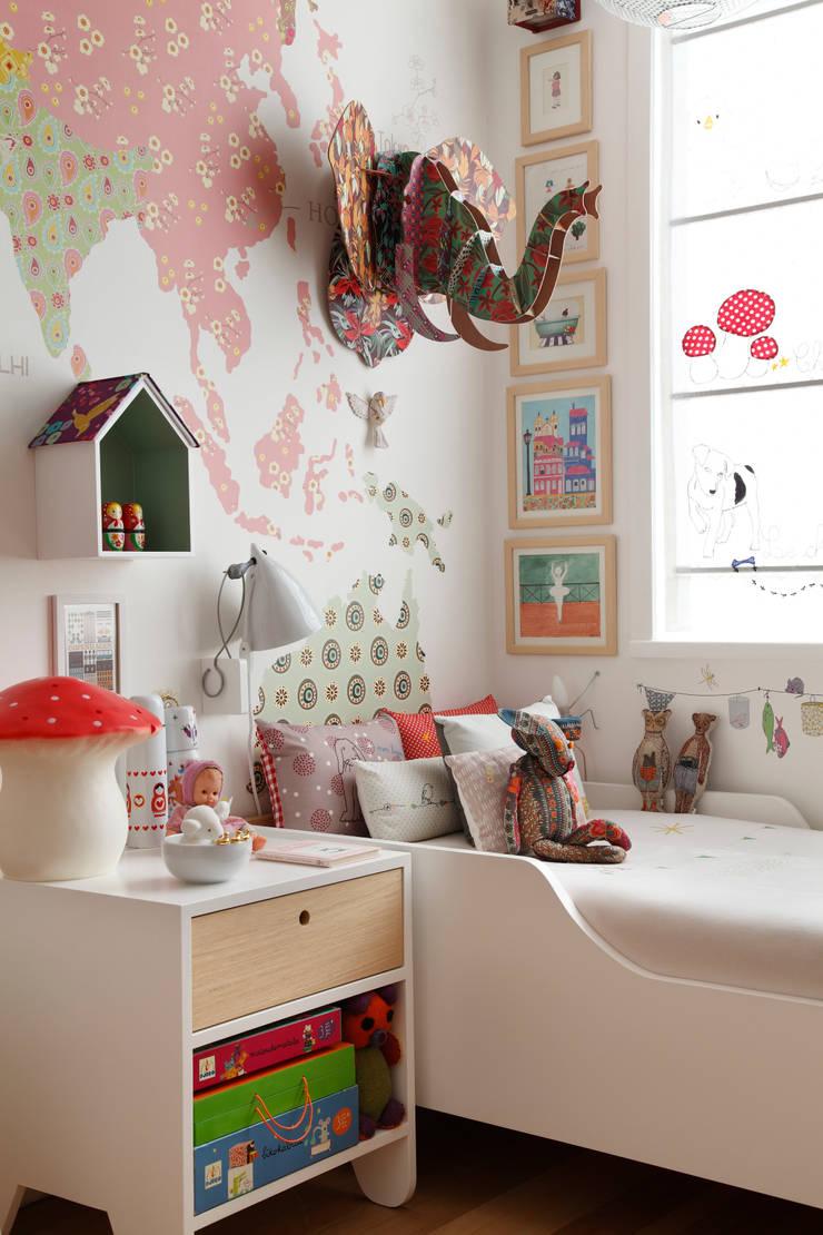 Apartamento Ipanema: Quarto infantil  por andre piva arquitetura,Moderno