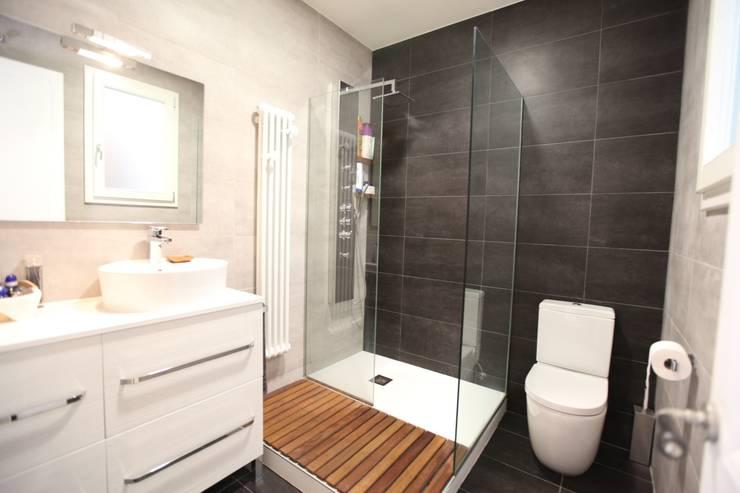 Baño: Baños de estilo mediterráneo de GPA Gestión de Proyectos Arquitectónicos  ]gpa[®