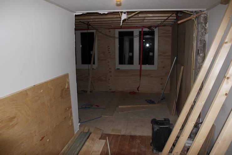 doorbraak naar uitbouw 1e verdieping:   door PIER architecten