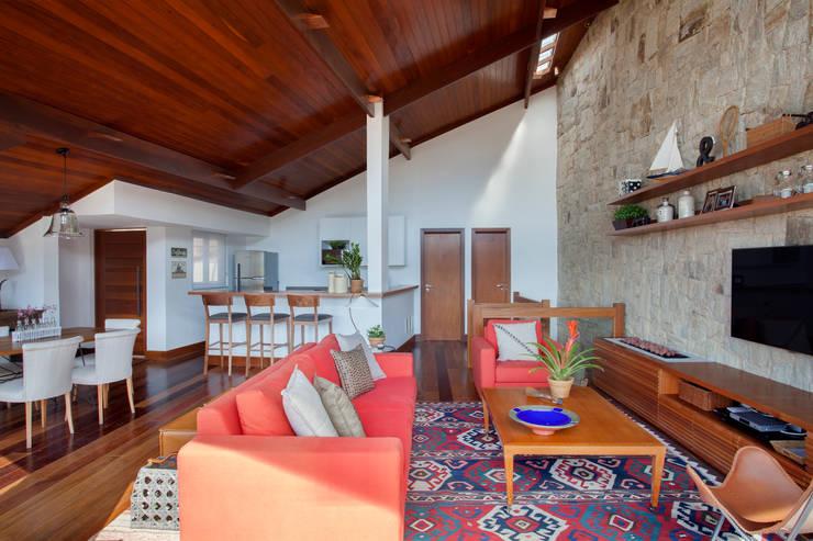 sadala gomide arquitetura:  tarz Oturma Odası