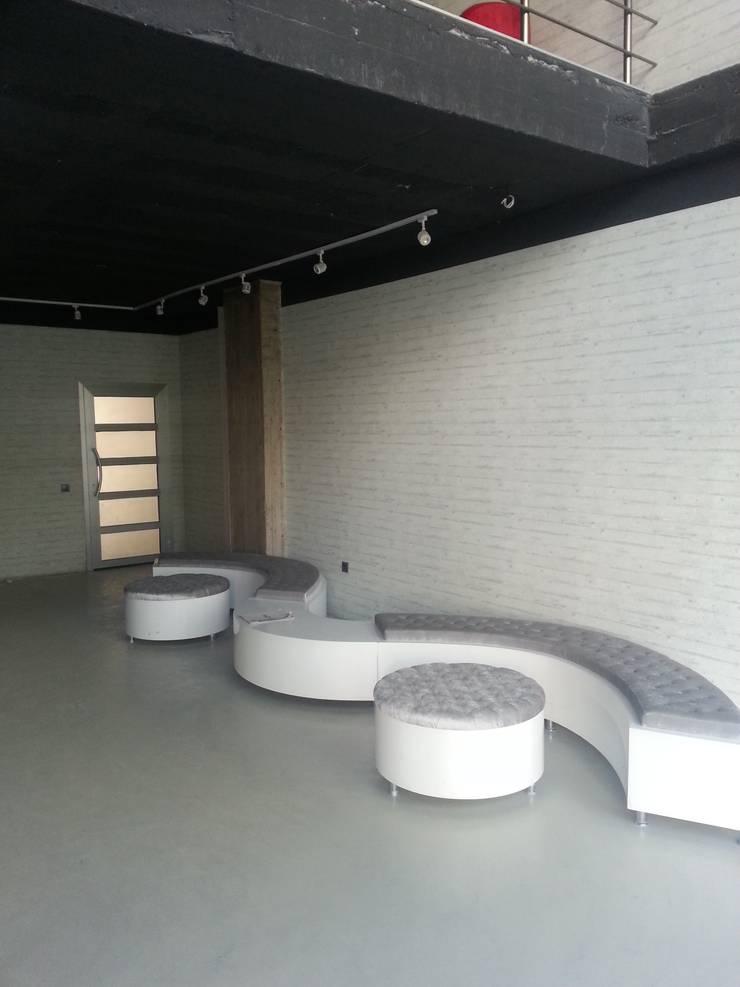 santimetre mimarlık – SATIŞ OFİSİ :  tarz Ofisler ve Mağazalar