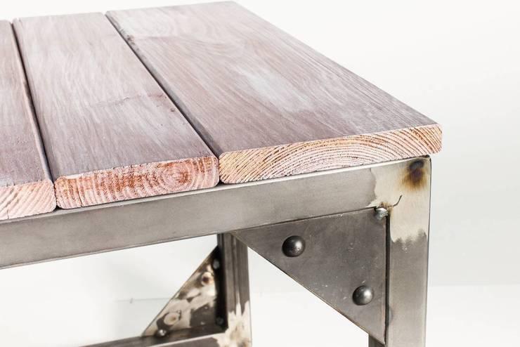 """Stolik kawowy ze stali """"SEA BOX"""": styl , w kategorii Salon zaprojektowany przez NordLoft - Industrial Design"""