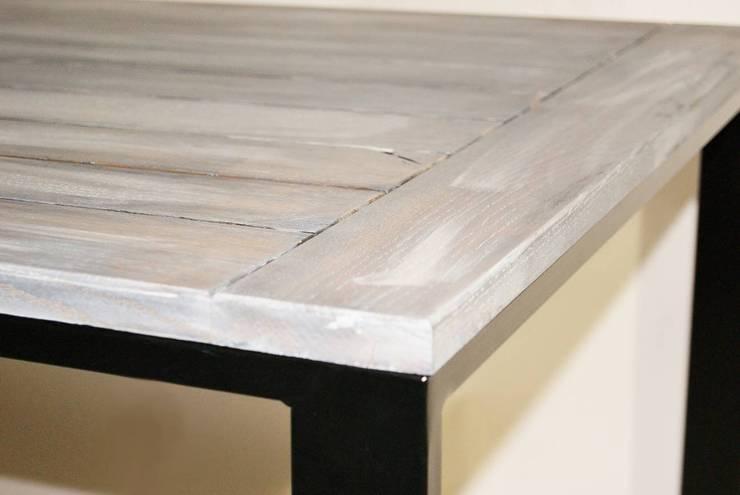 """Stół modernistyczny ze stali i dębu """"NOVA"""": styl , w kategorii Kuchnia zaprojektowany przez NordLoft - Industrial Design"""