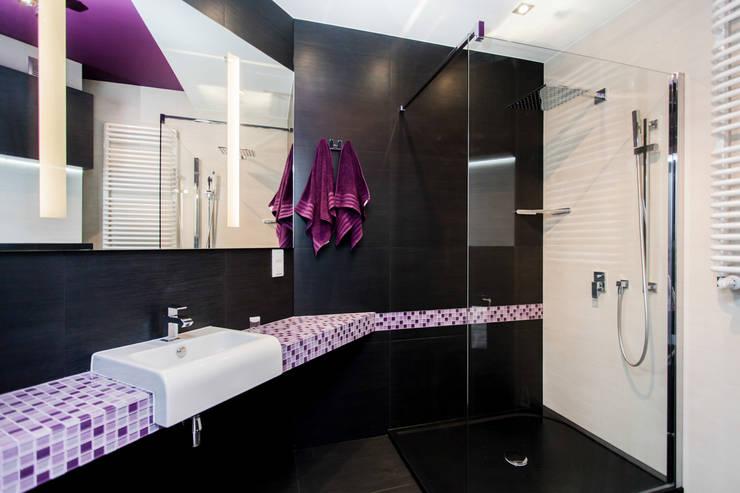 Apartament Dwupoziomowy: styl , w kategorii Łazienka zaprojektowany przez Tarna Design Studio,Nowoczesny