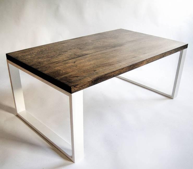 """Ława w stylu skandynawskim ze stali i dębu """"MOCCA"""": styl , w kategorii Salon zaprojektowany przez NordLoft - Industrial Design,"""
