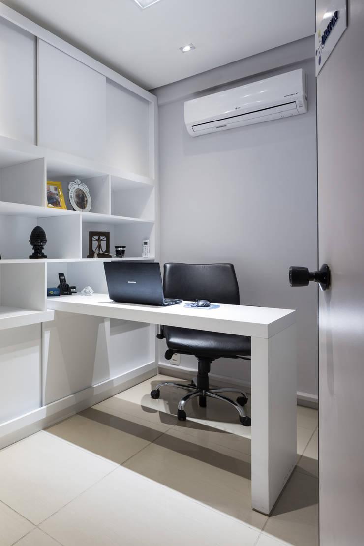 Sala Diretor Espaços comerciais modernos por Juliana Damasio Arquitetura Moderno