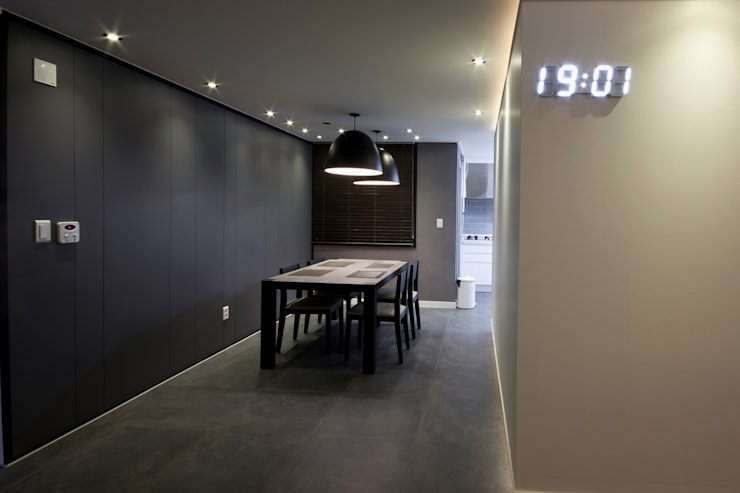 전주 아중리 대우아파트 -the grey-: 디자인투플라이의  다이닝 룸
