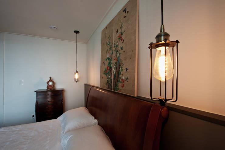 새아파트 분위기 바꿔주기 전주 서희스타힐스 아파트 : 디자인투플라이의  침실