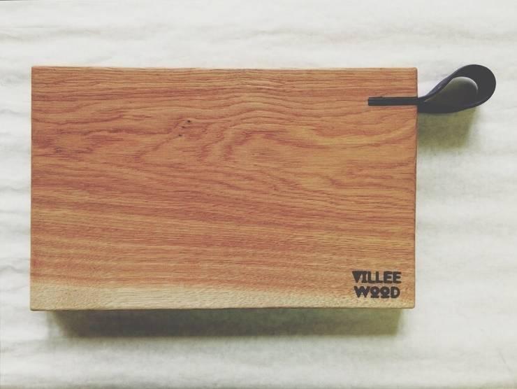 Разделочная доска с кожаной ручкой: Кухня в . Автор – VILLEEWOOD