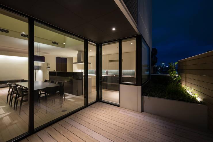 S-HOUSE外観1: 3*D空間創考舎一級建築士事務所が手掛けたテラス・ベランダです。,