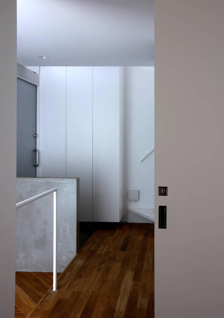 トールハウス・フルハウス: アトリエハコ建築設計事務所/atelier HAKO architectsが手掛けたです。