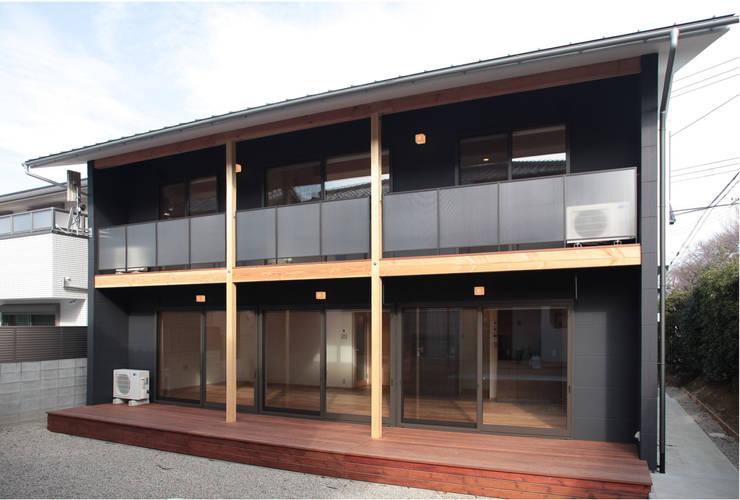 بلكونة أو شرفة تنفيذ 有限会社 起廣プラン 一級建築士事務所 , حداثي