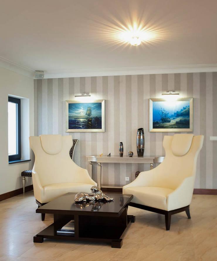 Rezydencja Orzech : styl , w kategorii Salon zaprojektowany przez tomasz czajkowski pracownia