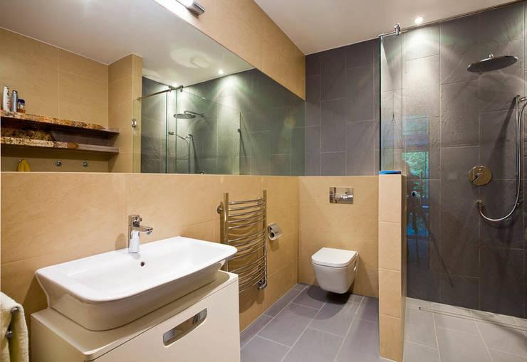 tomasz czajkowski pracowniaが手掛けた浴室