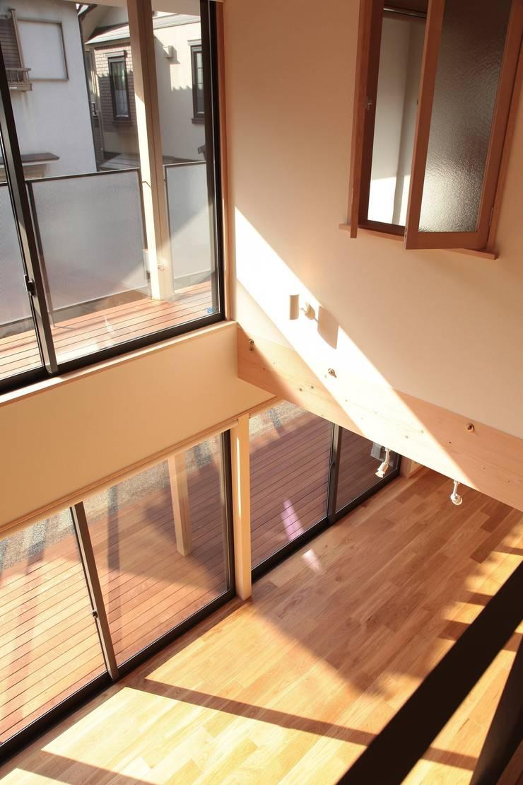 غرفة نوم تنفيذ 有限会社 起廣プラン 一級建築士事務所 , حداثي