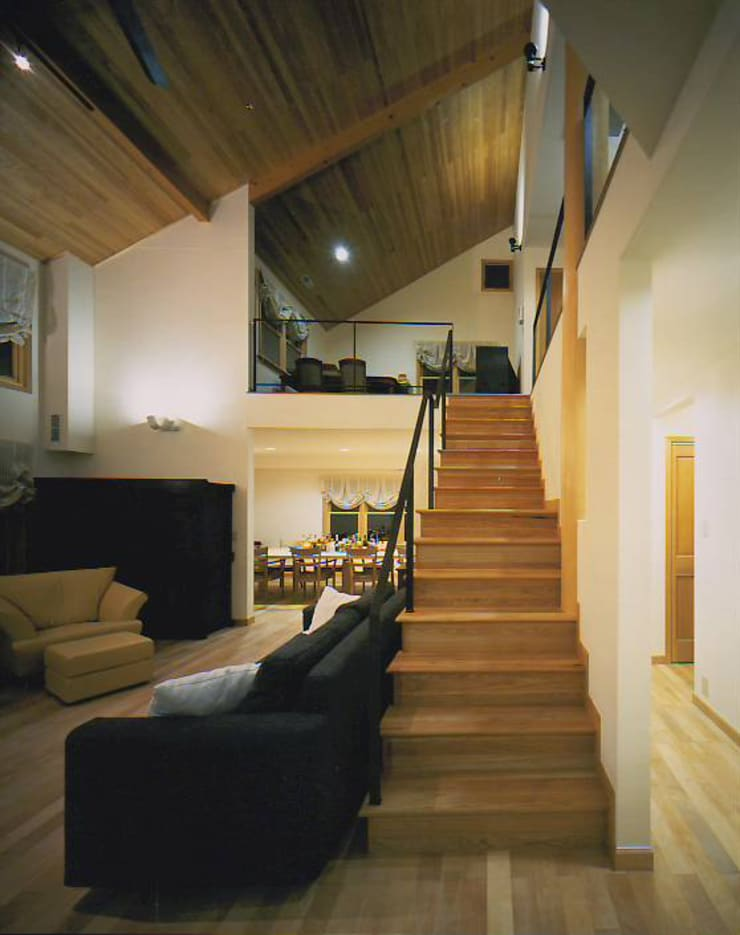 福島太夫の家(Y邸新築工事): 有限会社 起廣プラン 一級建築士事務所が手掛けた廊下 & 玄関です。