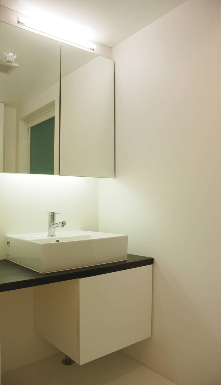 オシアゲマンションリノベーション: アトリエハコ建築設計事務所/atelier HAKO architectsが手掛けたです。,