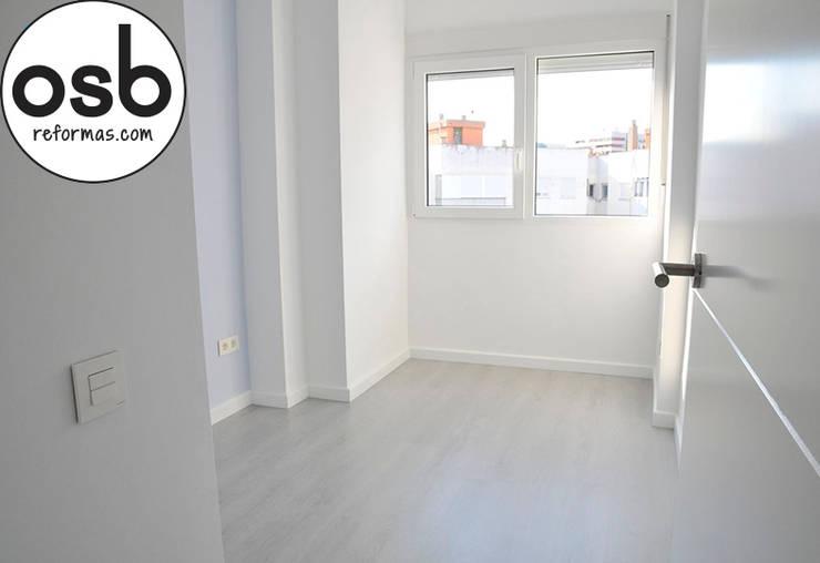 Dormitorio : Dormitorios de estilo  de osb reformas