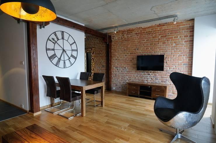 Loft w młynie.: styl , w kategorii Salon zaprojektowany przez ARTEMA  PRACOWANIA ARCHITEKTURY  WNĘTRZ