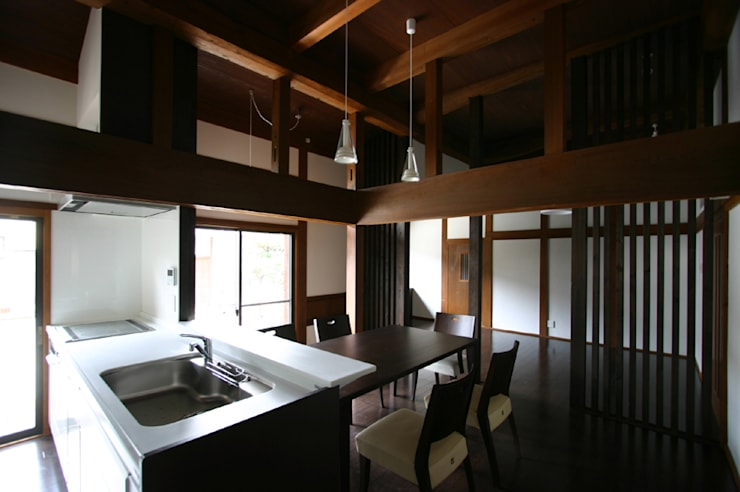 和泉中央の家・古民家改築 LDK: SADOが手掛けたです。