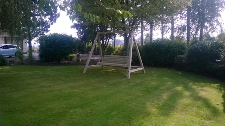 Outdoor Garden Swing Klassischer Garten von NI Climbing Frames Klassisch