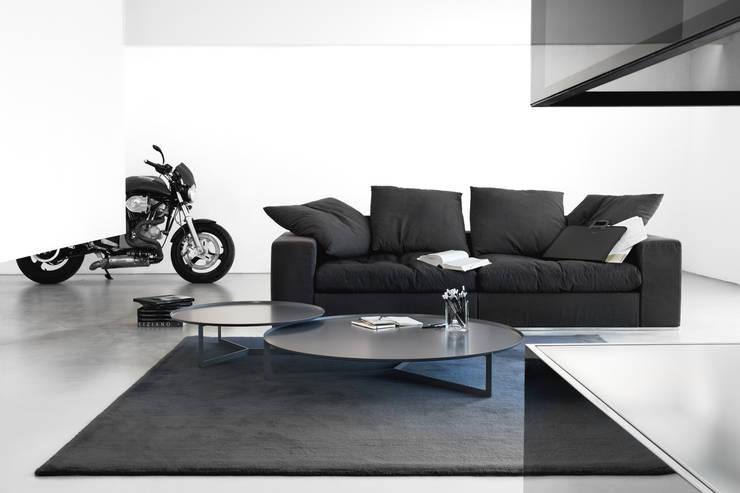 Round: Salones de estilo  de Versat